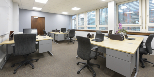 6 Workstation Office